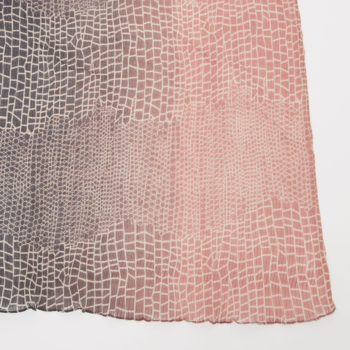 Geometric Print Scarf with Wrinkled Finish