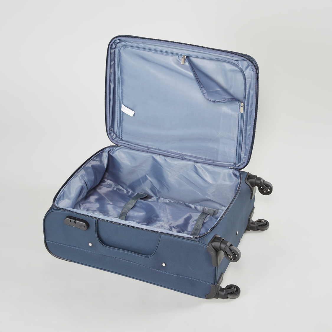Travel Soft Case with Retractable Handle - 41x27x58 cms