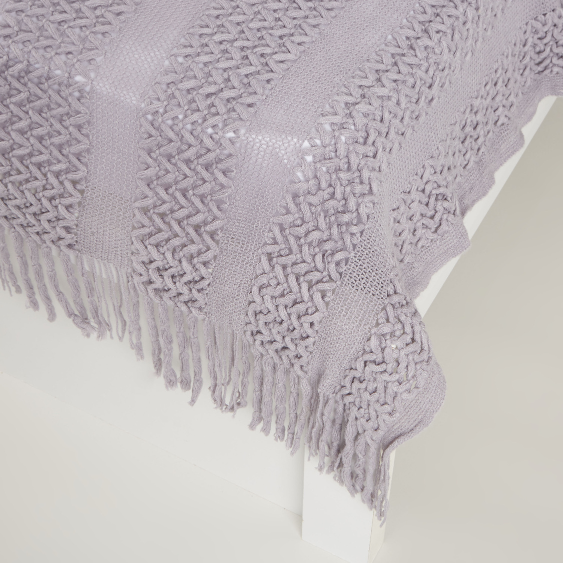 Woven Textured Throw with Tassels - 152x127 cms