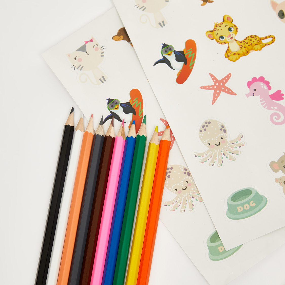Colouring Set with Pencils and Stickers