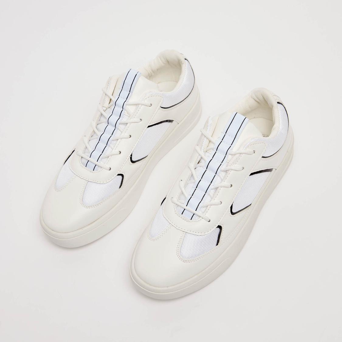 Stripe Detail Lace Up Sports Shoes