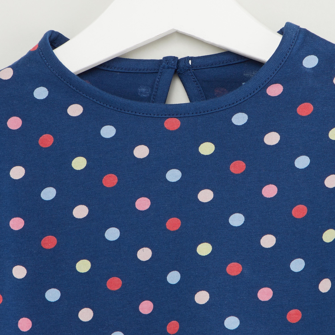 All Over Printed T-shirt with Round Neck and Short Sleeves