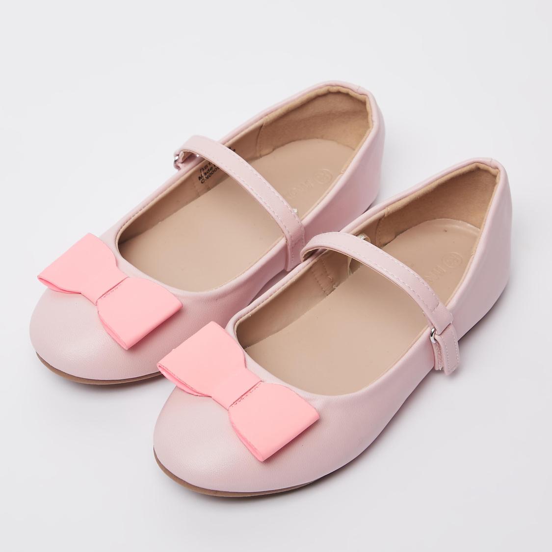 حذاء باليرينا بشريط إغلاق وتفاصيل فيونكة