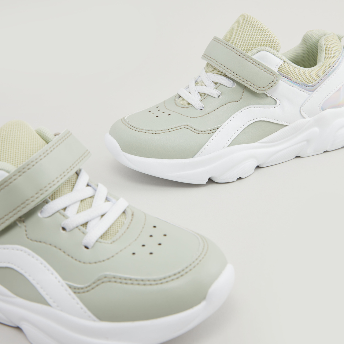 Low Top Lace Up Sports Shoes