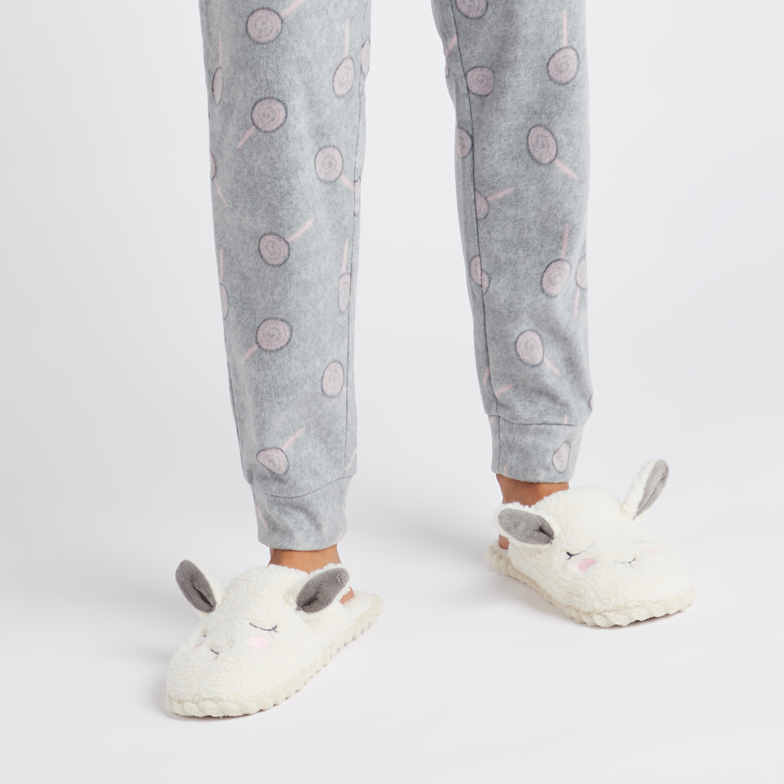 حذاء خفيف غرفة نوم بارز الملمس بتفاصيل مزخرفة