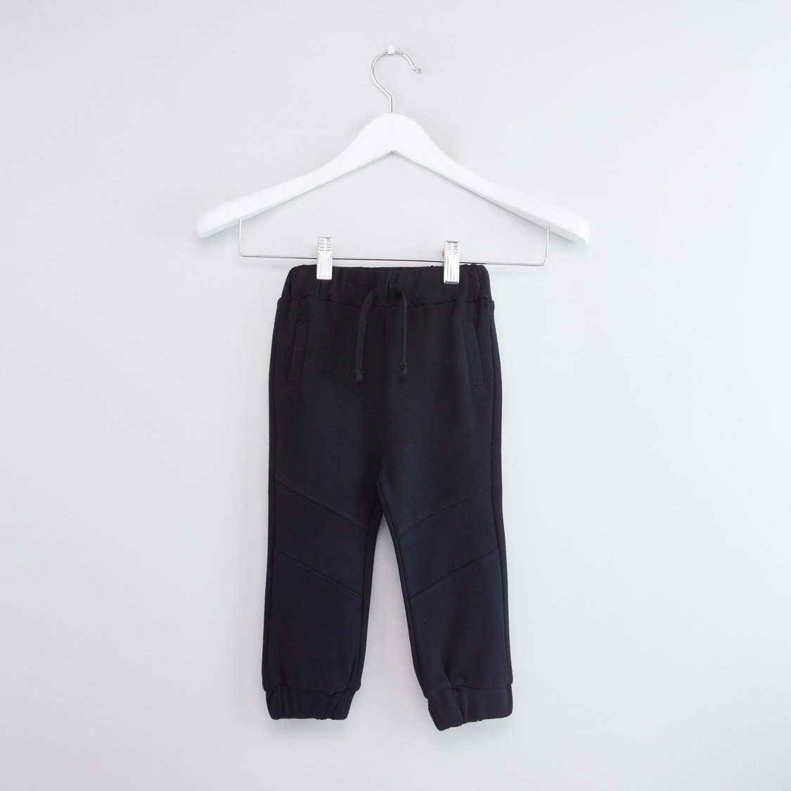 Solid Jogger Pants with Drawstring Closure and Stitch Detail