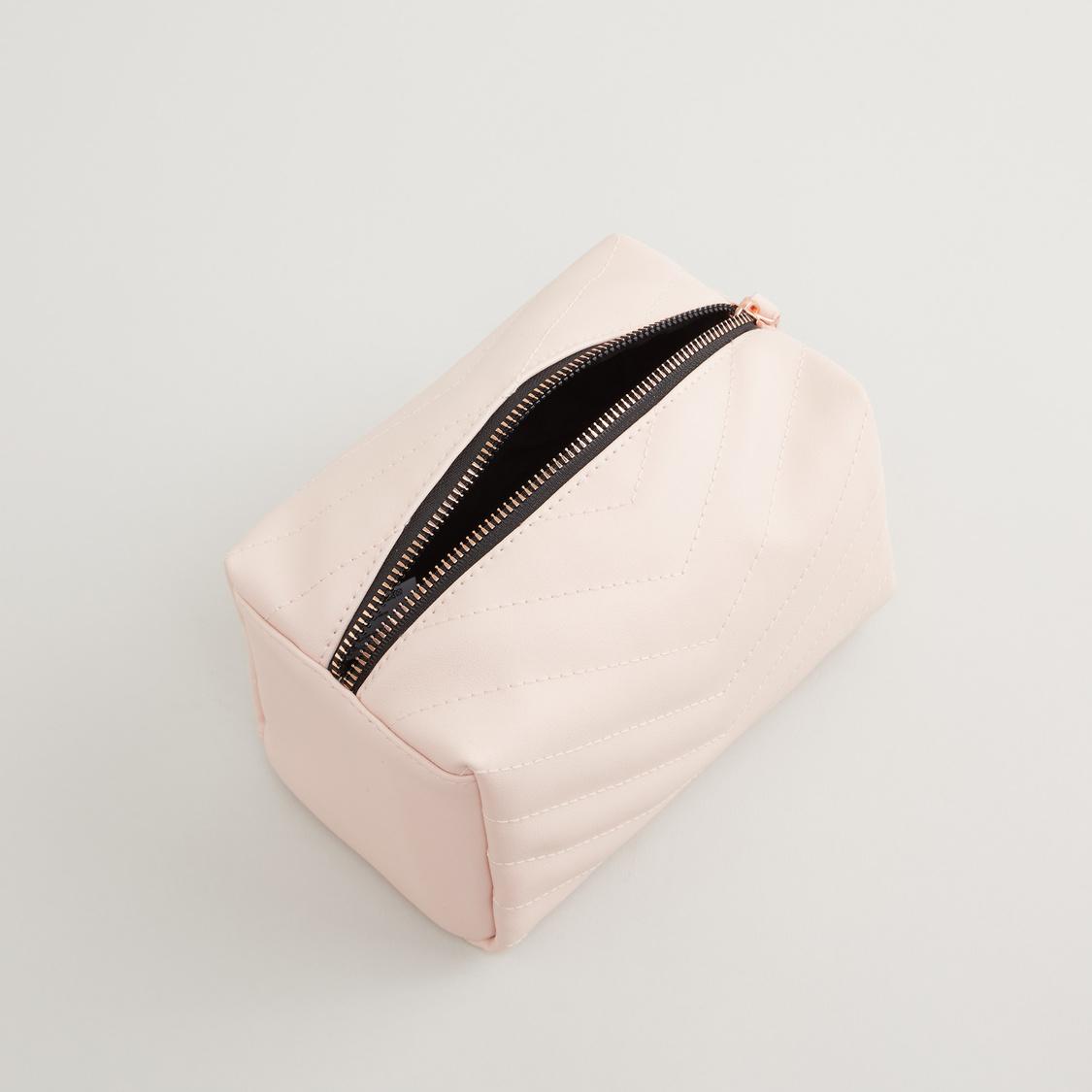 حقيبة صغيرة بارزة الملمس مع سحاّب
