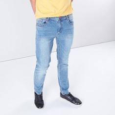 بنطال جينز بقصّة مطابقة وخمسة جيوب