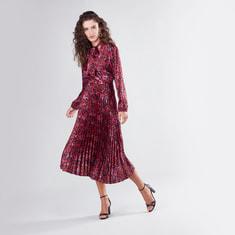 فستان متوسط الطول بأكمام طويلة وطبعات حيوانات مع ياقة بربطة عنق