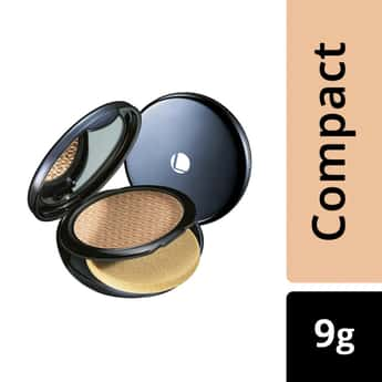 LAKME Absolute White Intense Wet & Dry Compact