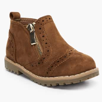 FAME FOREVER Ankle-Length Brogue Boots