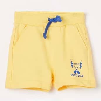 JUNIORS Flat Front Shorts