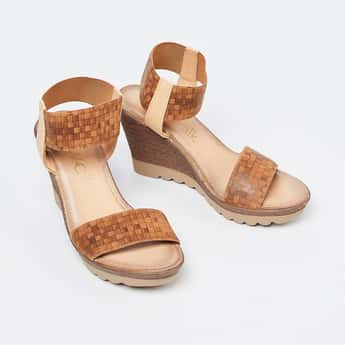 CATWALK Textured Wedges with Checked Straps