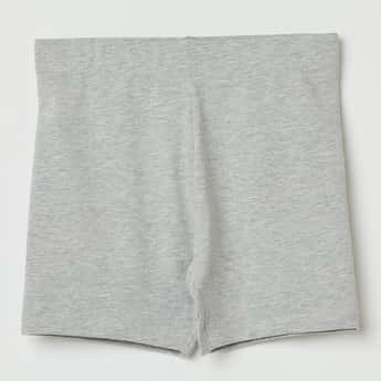 FAME FOREVER Solid Knitted Shorts