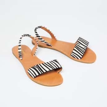 GINGER Textured Flat Sandals