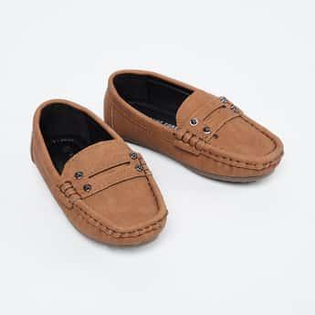 FAME FOREVER Textured Embellished Loafers