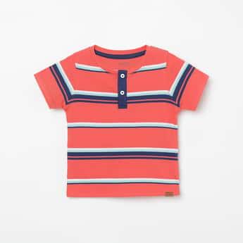 JUNIORS Striped Henley Neck T-shirt