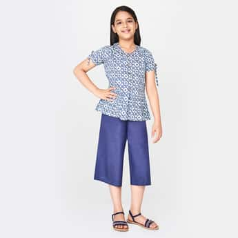 GLOBAL DESI Printed Top with Button Placket
