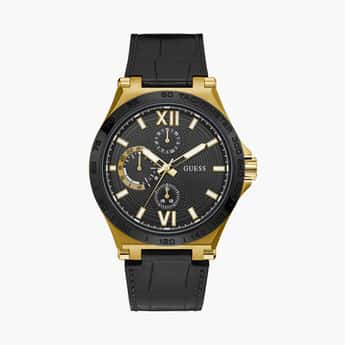GUESS Men Analog Watch with Leather Strap - GW0204G1