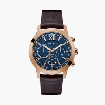 GUESS Men Analog Watch with Leather Strap - GW0219G3