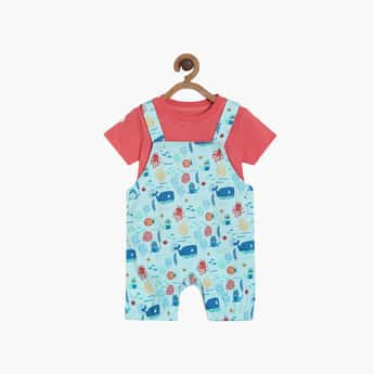 FS MINI KLUB Boys Printed Dungaree and a Solid T-shirt