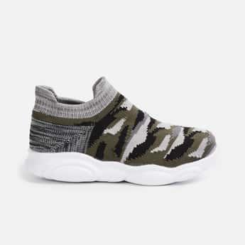 FAME FOREVER Men Textured Slip-On Shoes