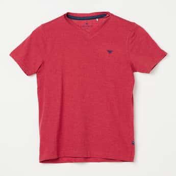 FAME FOREVER YOUNG Solid V-neck T-shirt