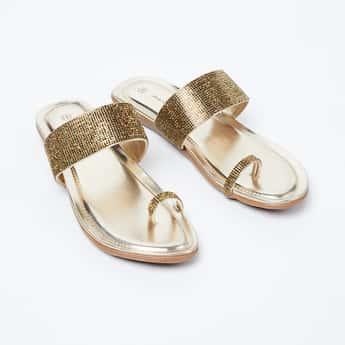 MELANGE Embellished Toe-Ring Flat Sandals