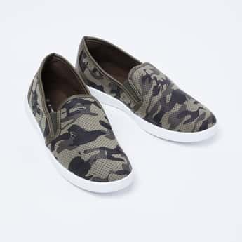 FAME FOREVER Camouflage Print Perforated Slip-ons