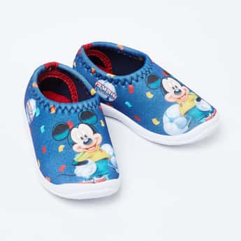 FAME FOREVER Mickey Mouse Print Slip-On Shoes