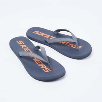SKECHERS Printed V-strap Slippers