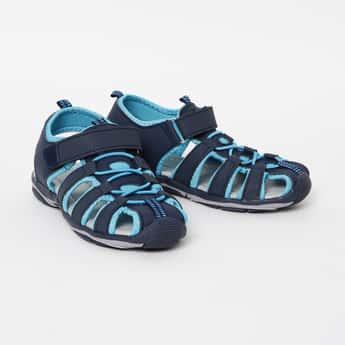 FAME FOREVER Solid Velcro Strap Sandals