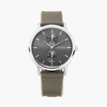 TITAN Athleisure Men Water-Resistant Multifunctional Watch -90118SP02