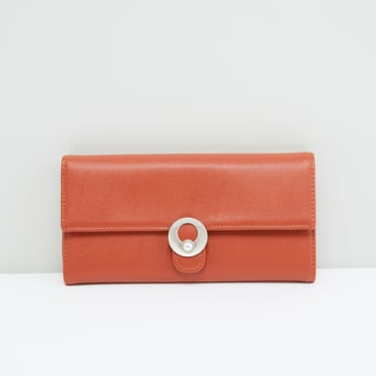 Tri-Fold Wallet with Magnetic Snap Closure