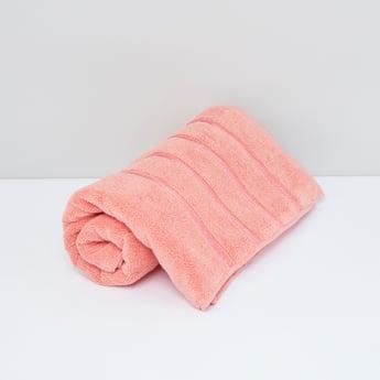 منشفة حمام فاخرة بخطوط بارزة