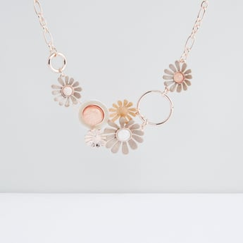 Flower Detail Necklace with Lobster Clasp