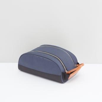 حقيبة صغيرة سادة بسحّاب إغلاق
