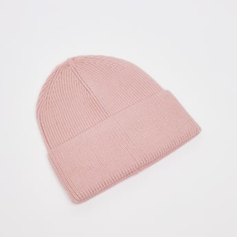 قبعة بيني بارز الملمس