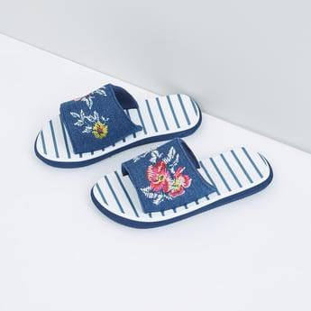 حذاء خفيف مطرّز