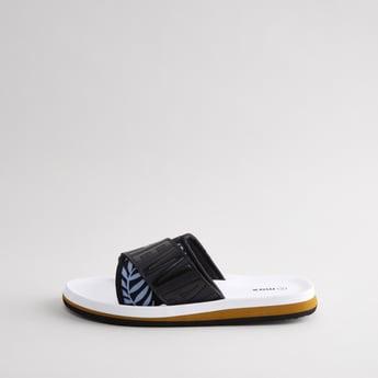 حذاء خفيف بطبعات