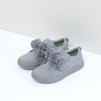 حذاء سهل الارتداء بتفاصيل زهرية