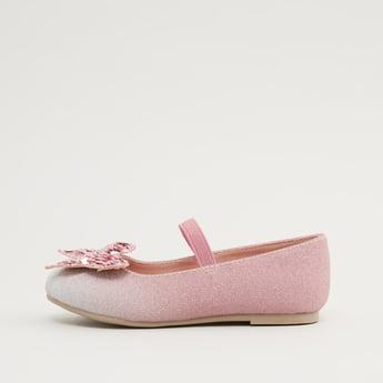 حذاء بالرينا مع تفاصيل مزخرفة وحزام مطاطي