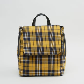 حقيبة ظهر كاروهات مع حمّالات كتف قابلة للتعديل