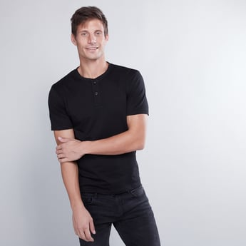 Slim Fit Plain T-shirt with Henley Neck and Short Sleeves