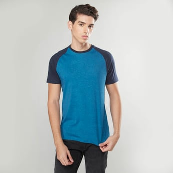 Solid T-shirt with Raglan Sleeves