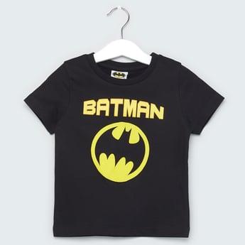 تيشيرت بأكمام قصيرة وياقة مستديرة وطبعات باتمان