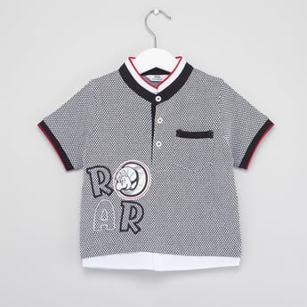 Printed Henley Neck T-shirt with Short Sleeves