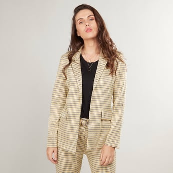 Chequered Jacket with Notched Lapel and Pocket Detail