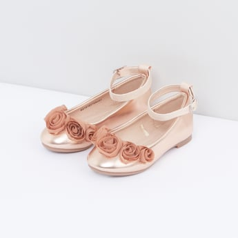 Ankle Strap Shoes with Flower Applique