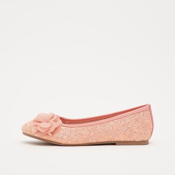 حذاء باليرينا بارز الملمس بزخارف أزهار